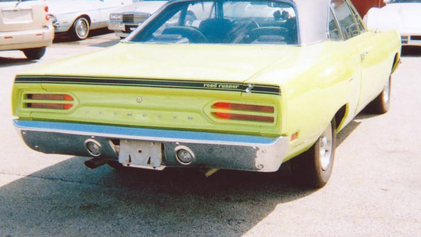 1970 Plymouth Road Runner 426 CI, 5-Speed presented as lot F273 at Indianapolis, IN 2013 - image2