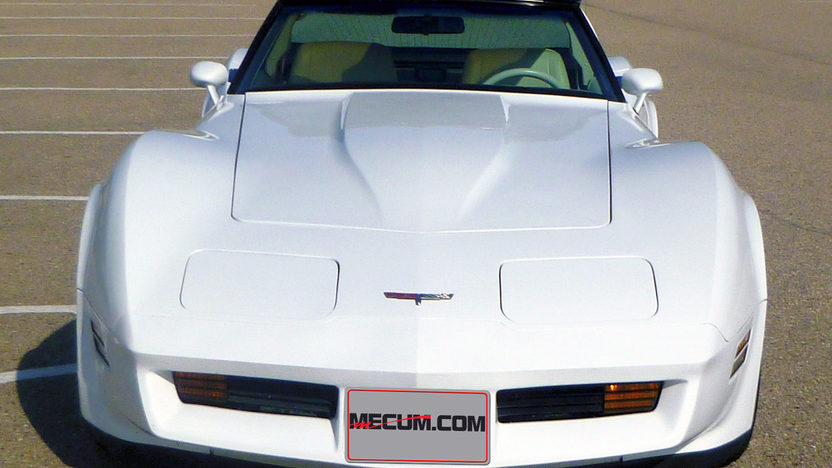 1980 Chevrolet Corvette 350 CI, 4-Speed presented as lot T167 at Indianapolis, IN 2013 - image8