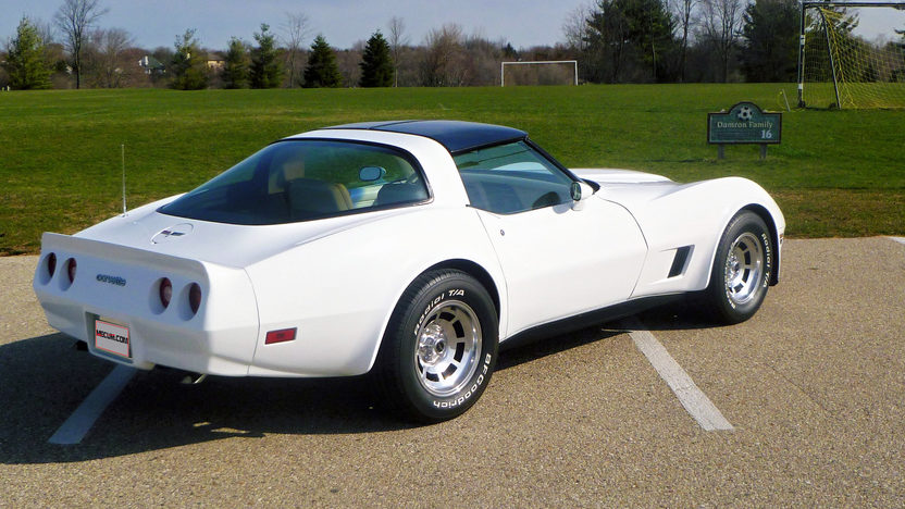 1980 Chevrolet Corvette 350 CI, 4-Speed presented as lot T167 at Indianapolis, IN 2013 - image9
