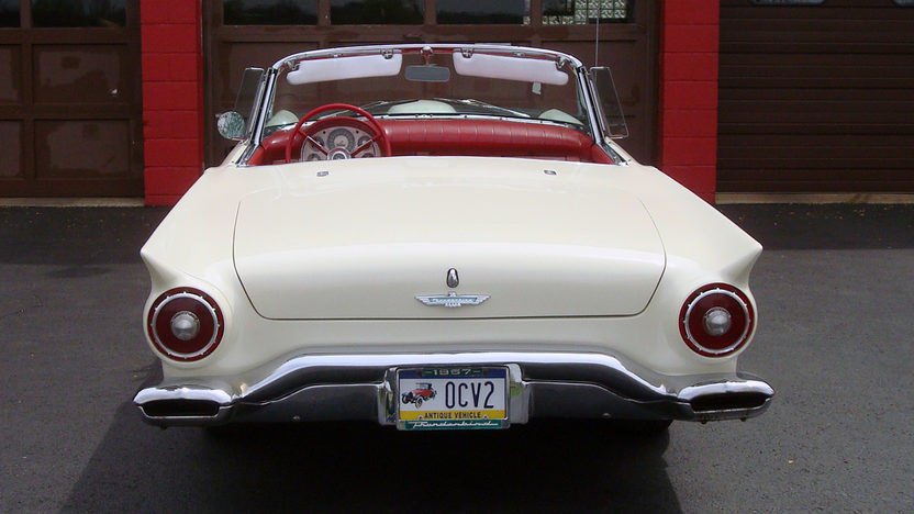 1957 Ford Thunderbird 312/245 HP, Two Tops presented as lot W219.1 at Indianapolis, IN 2013 - image3