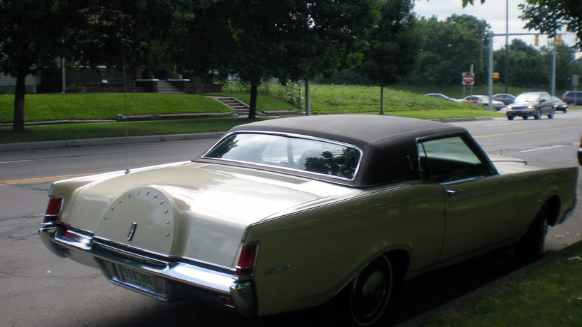 1970 Lincoln Mark III presented as lot G66 at Indianapolis, IN 2014 - image3