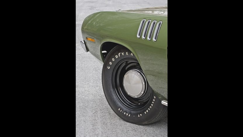 1971 Plymouth Hemi Cuda 426 CI, 4-Speed presented as lot S185 at Indianapolis, IN 2014 - image9