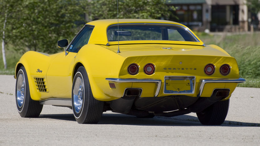 1972 Chevrolet Corvette LT1 Convertible Bloomington Gold Benchmark presented as lot S143 at Indianapolis, IN 2014 - image3