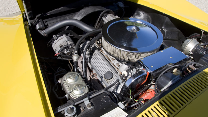 1972 Chevrolet Corvette LT1 Convertible Bloomington Gold Benchmark presented as lot S143 at Indianapolis, IN 2014 - image5