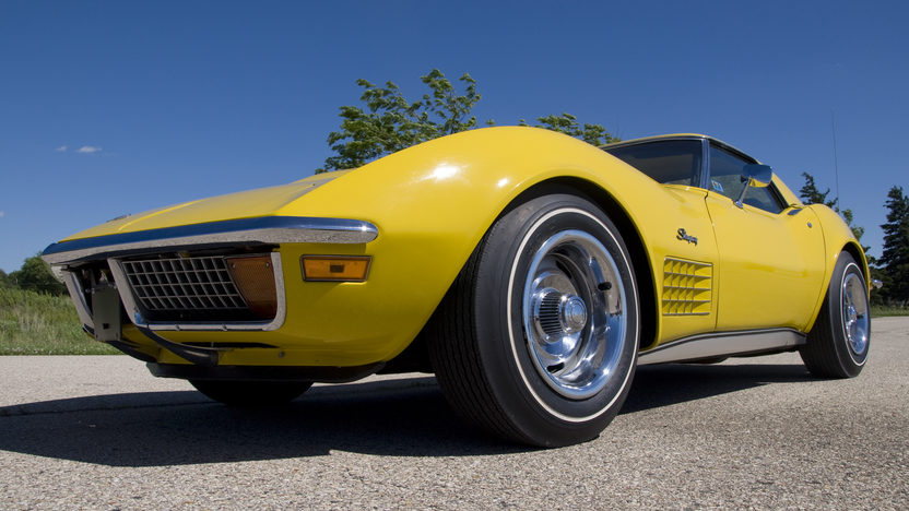 1972 Chevrolet Corvette LT1 Convertible Bloomington Gold Benchmark presented as lot S143 at Indianapolis, IN 2014 - image8